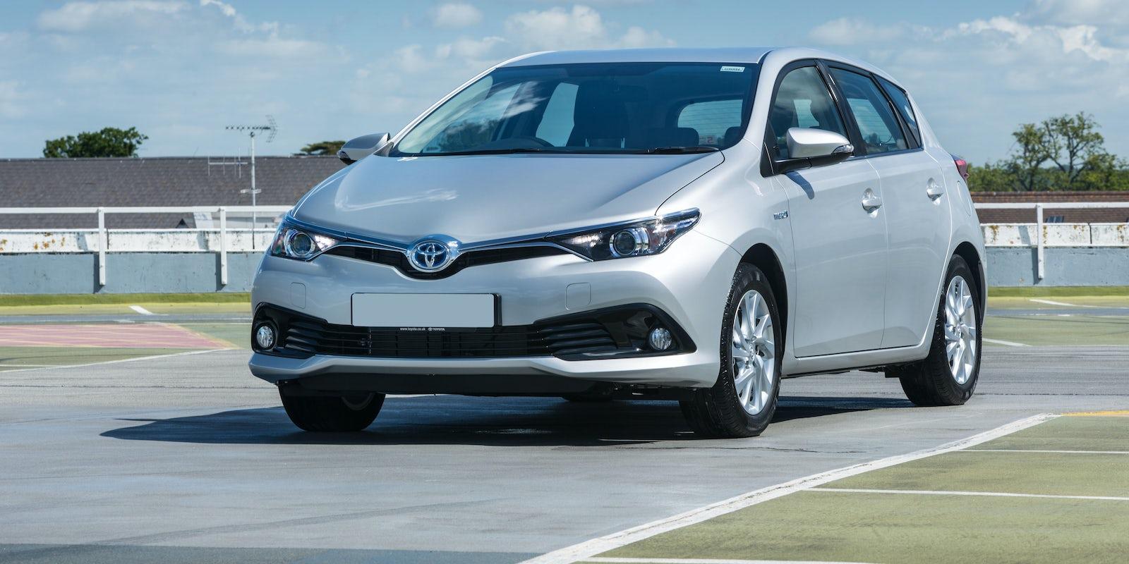 New Toyota Auris Review Carwow Verso 2015 Interior