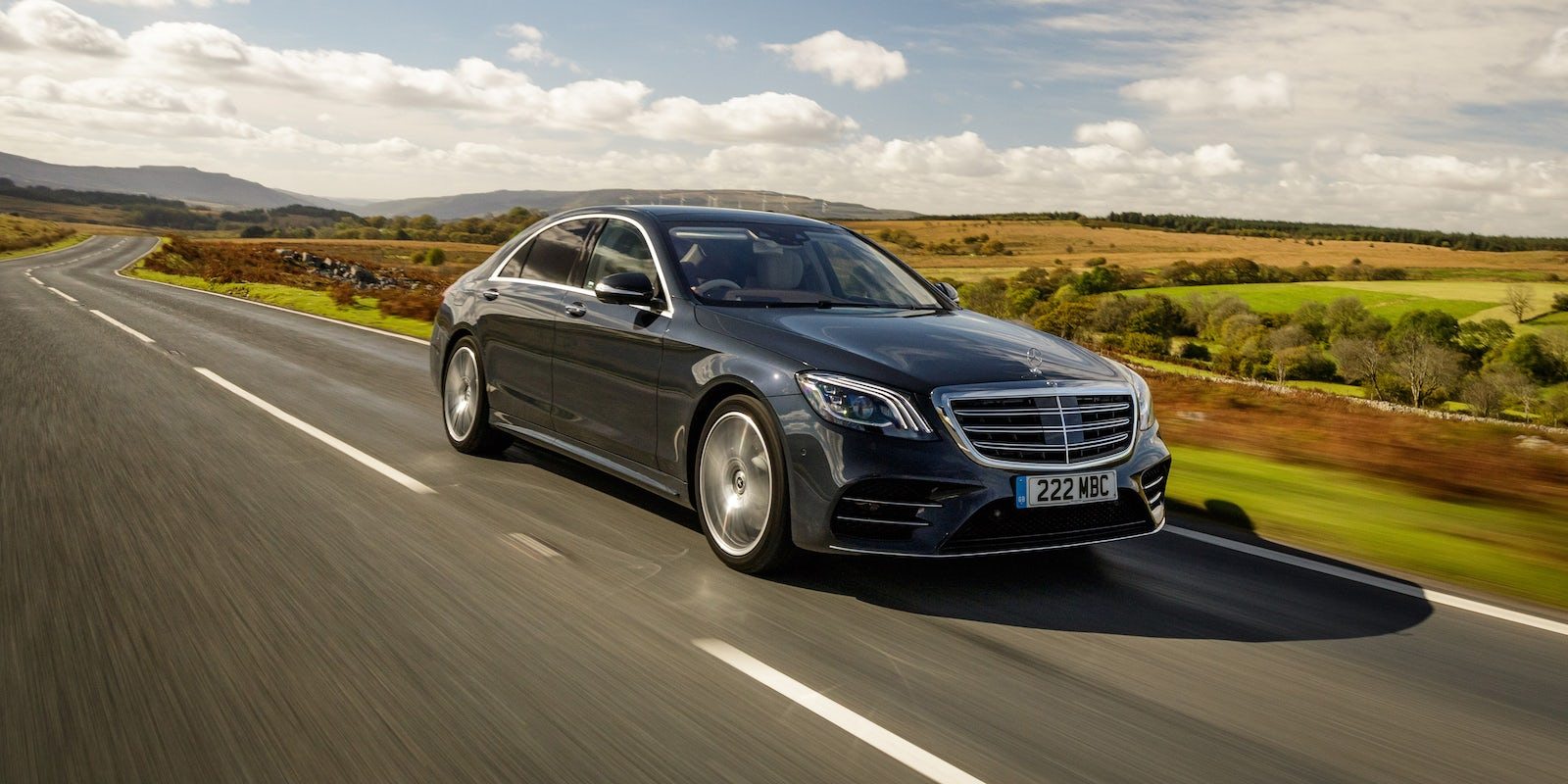 new mercedes s class saloon review carwow. Black Bedroom Furniture Sets. Home Design Ideas