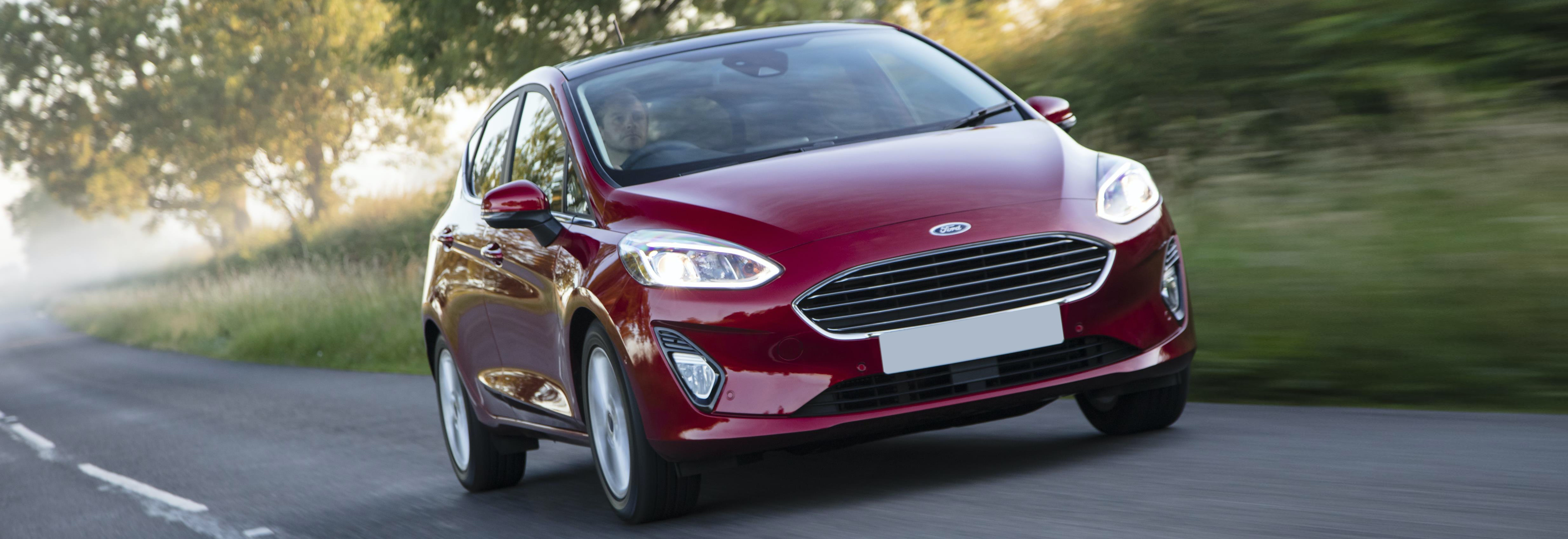 2018 ford fiesta red driving front