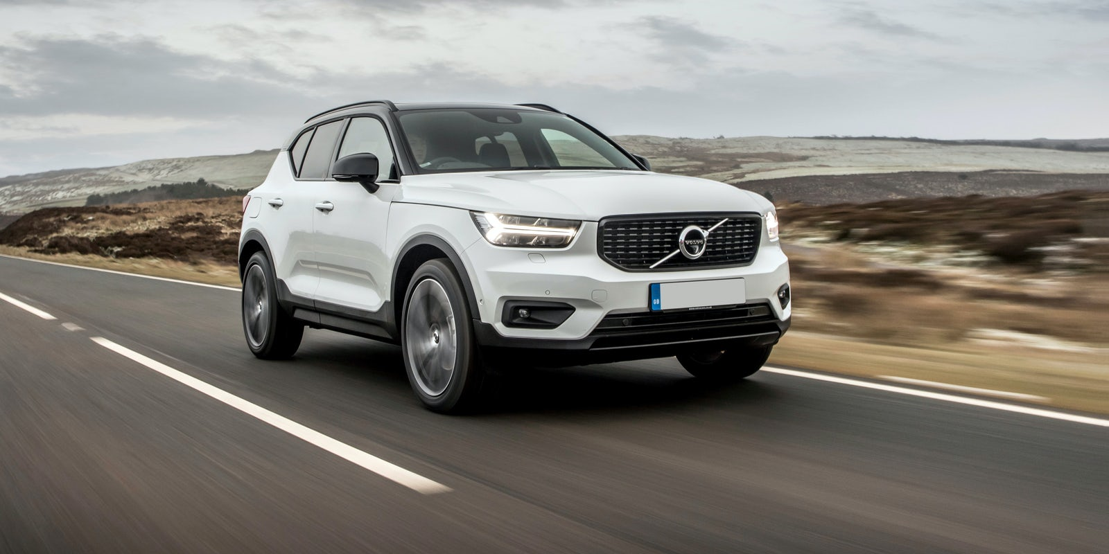new volvo xc40 review carwow. Black Bedroom Furniture Sets. Home Design Ideas
