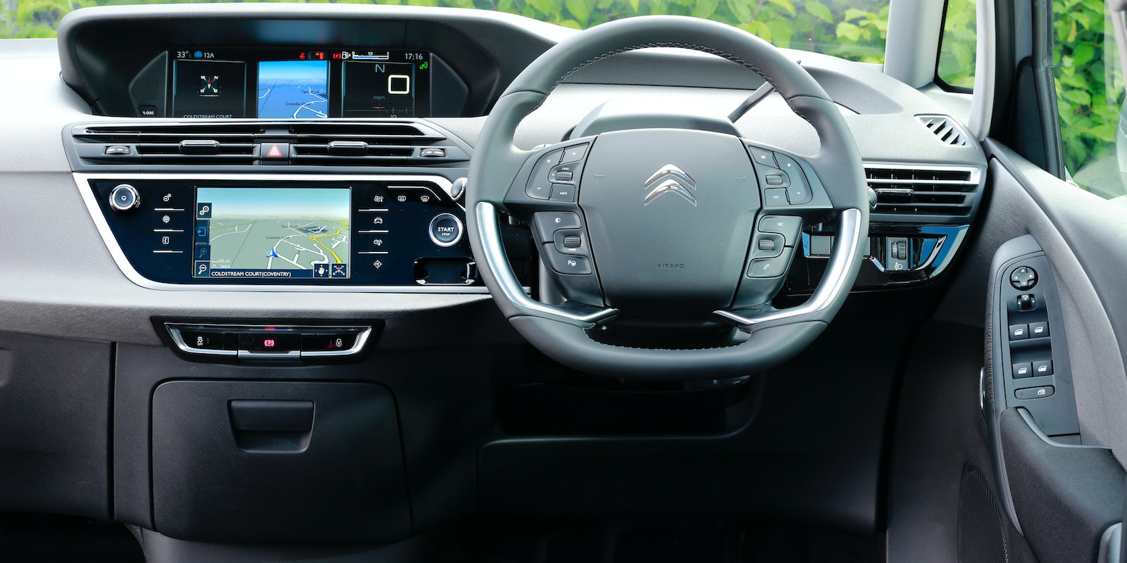 Citroen C4 SpaceTourer interior and infotainment | carwow