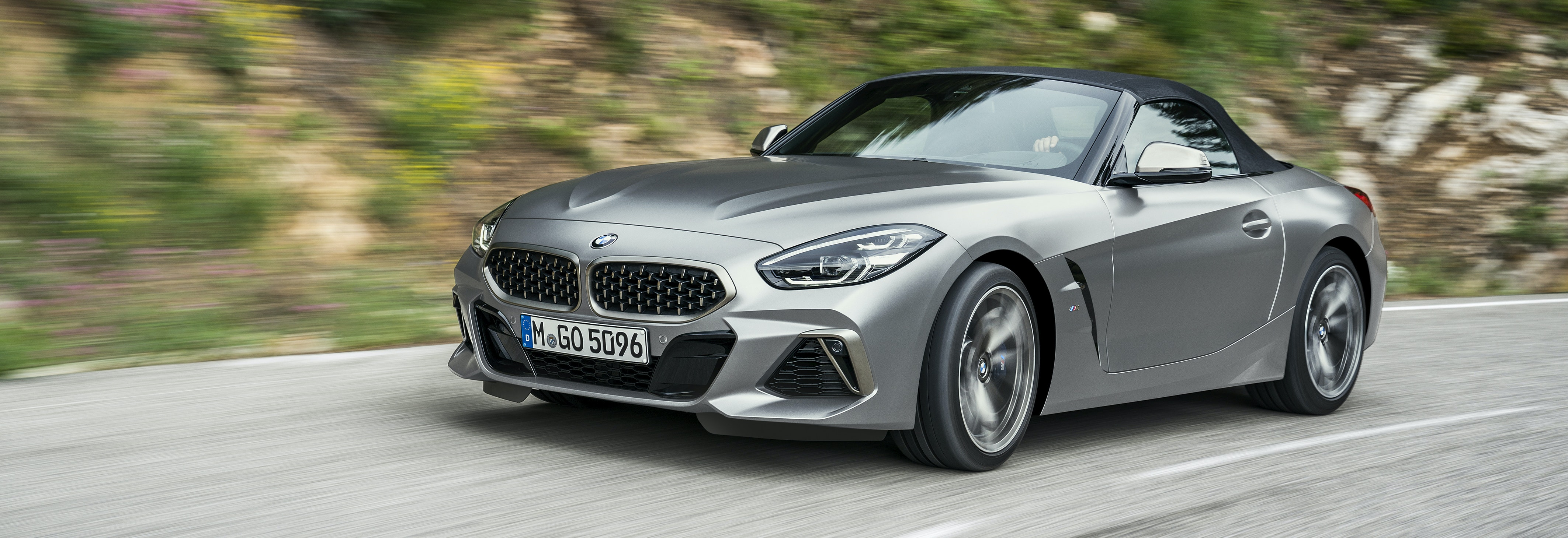 Superb 2019 BMW Z4 Roof Up