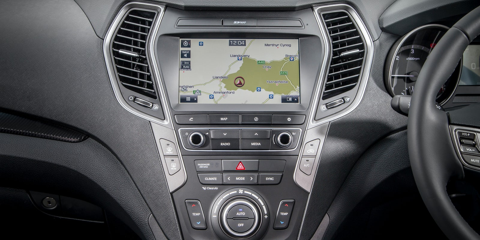 Hyundai santa fe review carwow - Santa fe hyundai interior pictures ...