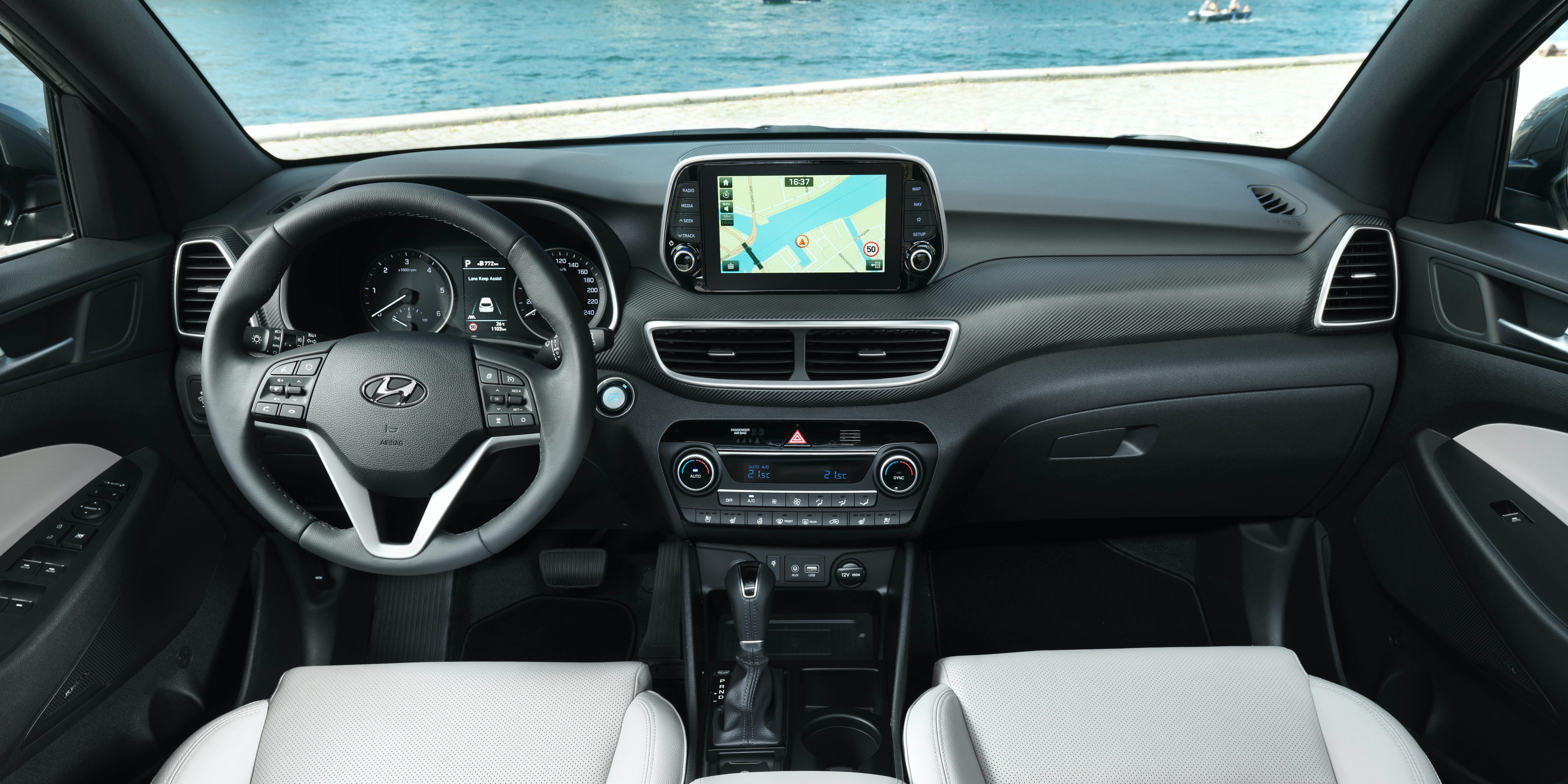 Hyundai Tucson Interior & Infotainment | carwow