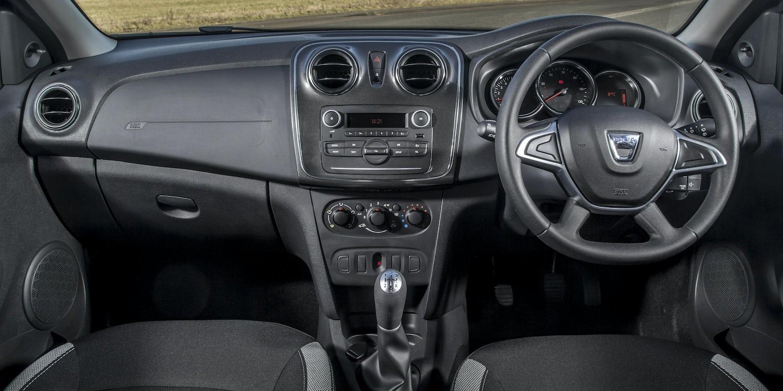 https://carwow-uk-wp-2.imgix.net/New_Dacia_Sandero_Stepway_41.jpg?ixlib=rb-1.1.0&fit=crop&w=1600&h=800&q=60&cs=tinysrgb&auto=format