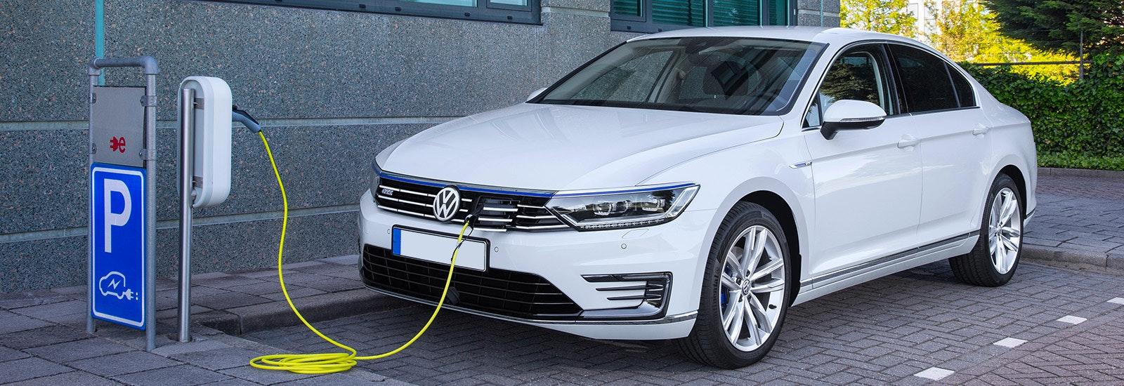Volkswagen Passat Gte Review Carwow