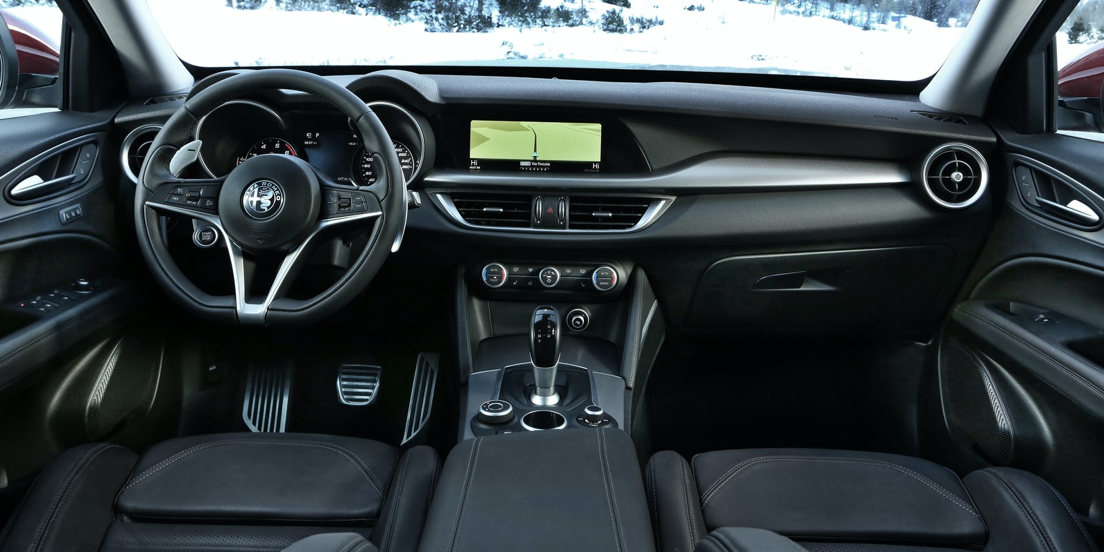 alfa romeo stelvio interior practicality and infotainment. Black Bedroom Furniture Sets. Home Design Ideas