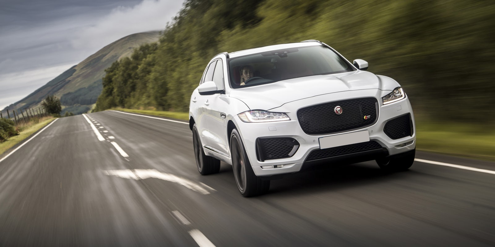 jaguar f pace specifications carwow. Black Bedroom Furniture Sets. Home Design Ideas
