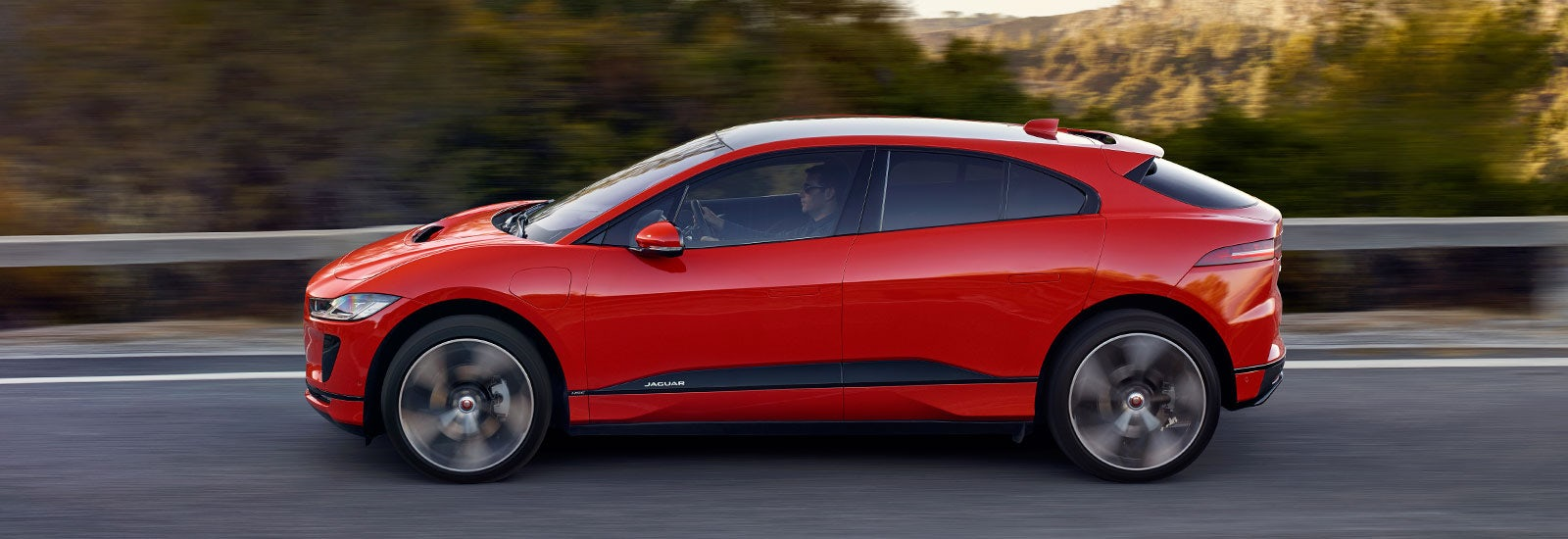 2018 jaguar i pace electric suv price specs and release date carwow. Black Bedroom Furniture Sets. Home Design Ideas