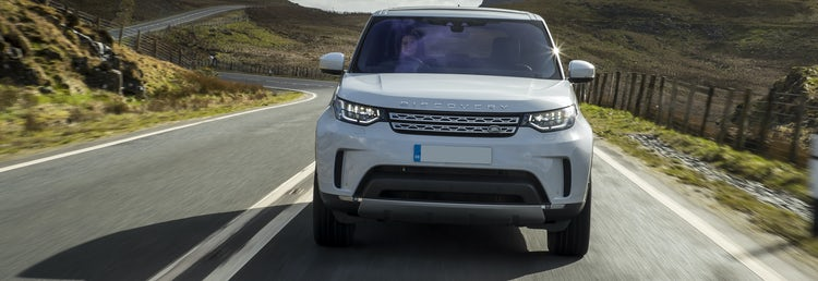 Land Rover Discovery SUV size and dimensions guide | carwow