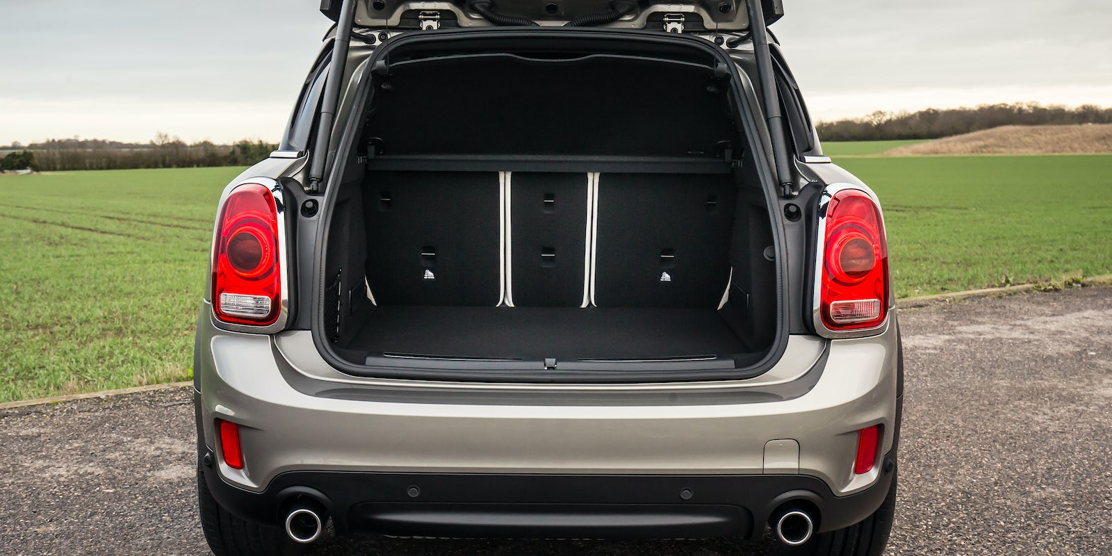mini countryman boot dimensions in cm car reviews 2018. Black Bedroom Furniture Sets. Home Design Ideas