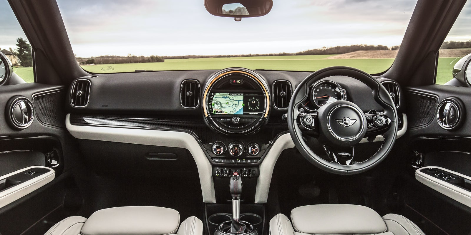 Mini countryman review carwow - Countryman interior ...