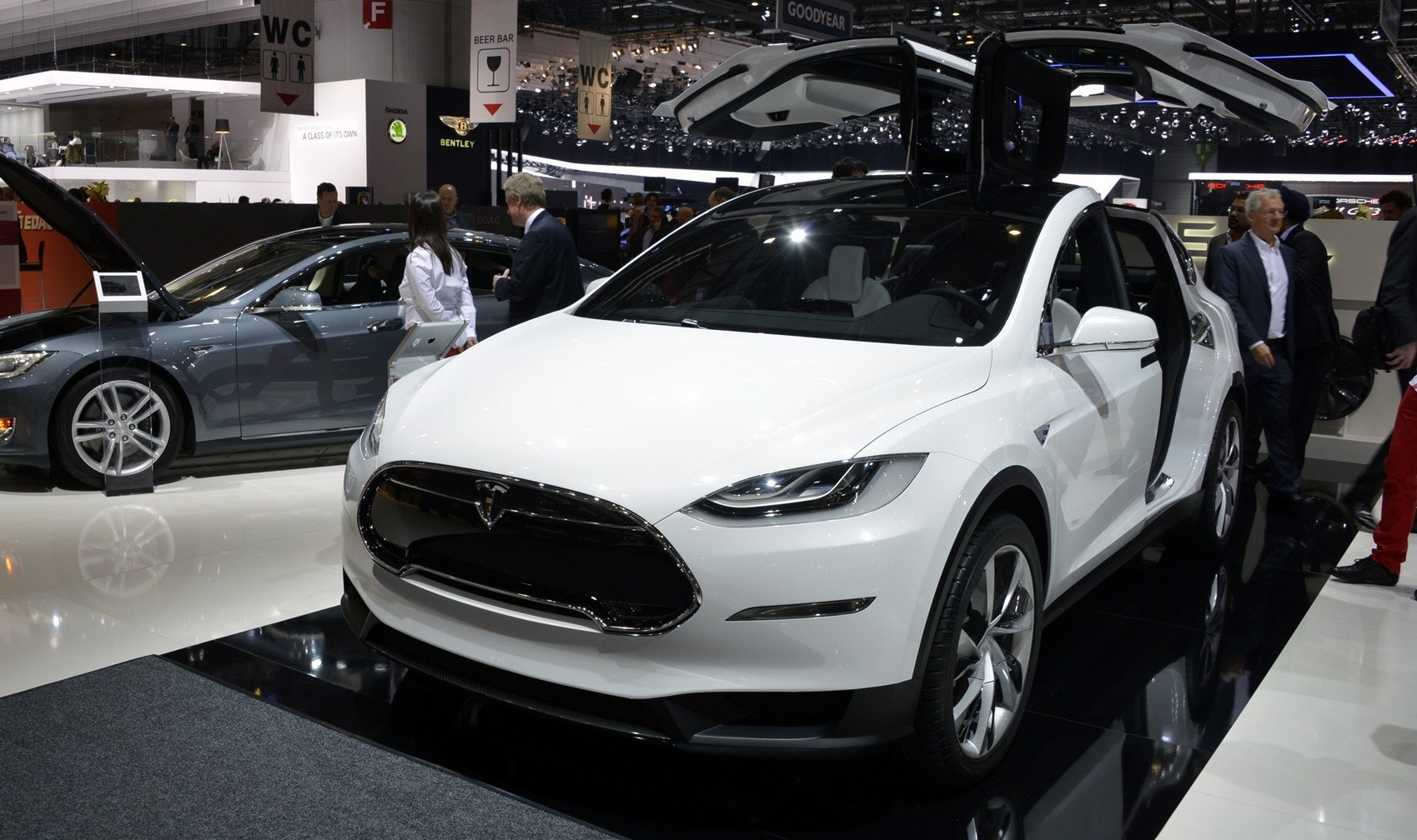 Tesla model x front preview e1425038799782.jpg?ixlib=rb 1.1