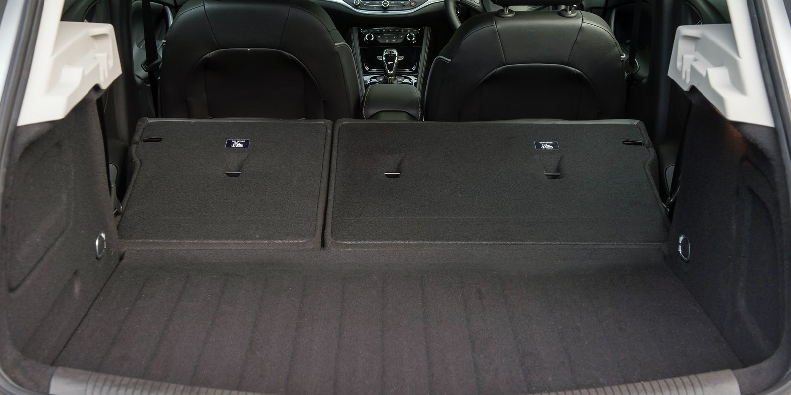 Vauxhall astra gtc 1 6t sri auto express - Flip The Rear Seats Down And You Re Left With A Flat Floor
